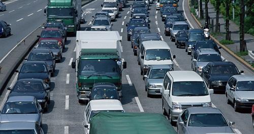 高速道路が渋滞